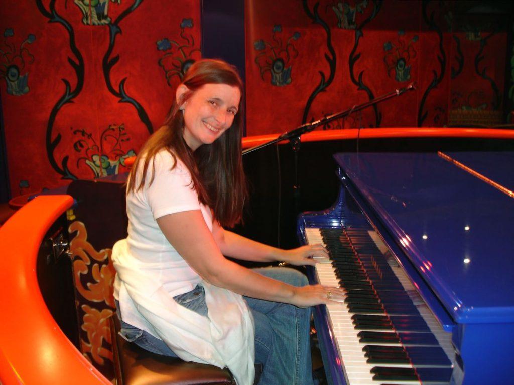 Victoria Piano