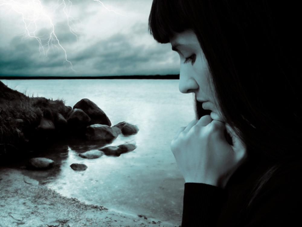 Gratitude Woman Ocean 2