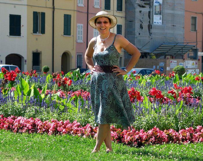 Woman Flower Garden 2