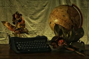 writing-dark-typewriter-globe-2